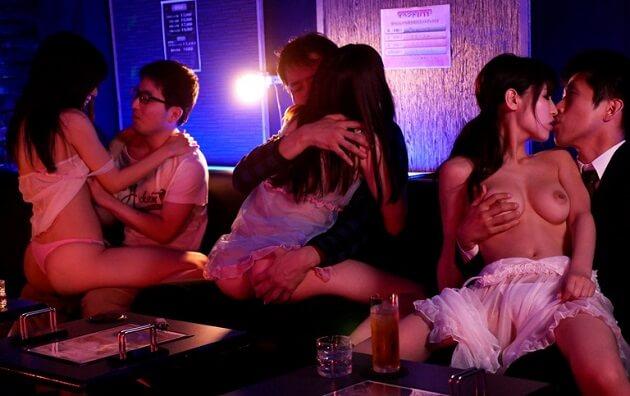 【桜空もも】リピーター続出!噂の本番できちゃうおっパブ店 Gカップグラドル巨乳嬢を味わい尽くせ!