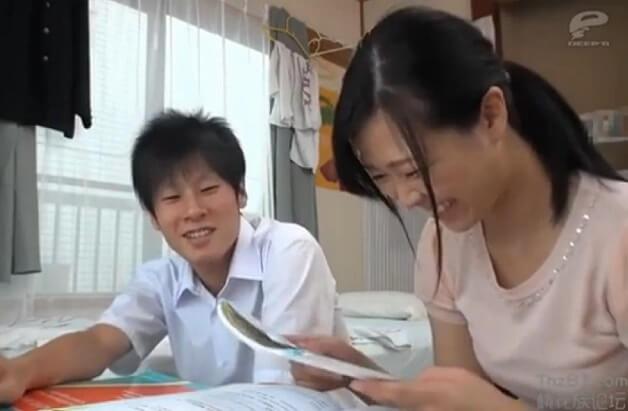 【モニタリング】童貞男子校生の家庭教師をする素人女子大生に報酬をエサに筆おろし依頼!暴発して中出しする男の子《鈴森ゆな》