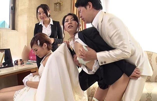 【異世界人妻】生中出しセックスは普通の挨拶的な世界で種付け膣内射精で結婚式両家ご親睦《夏希みなみ/浜本まり》