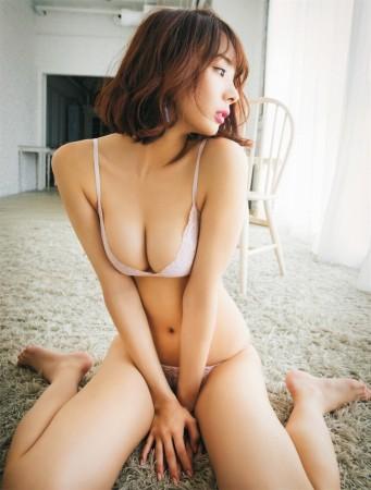 岡田紗佳の画像003