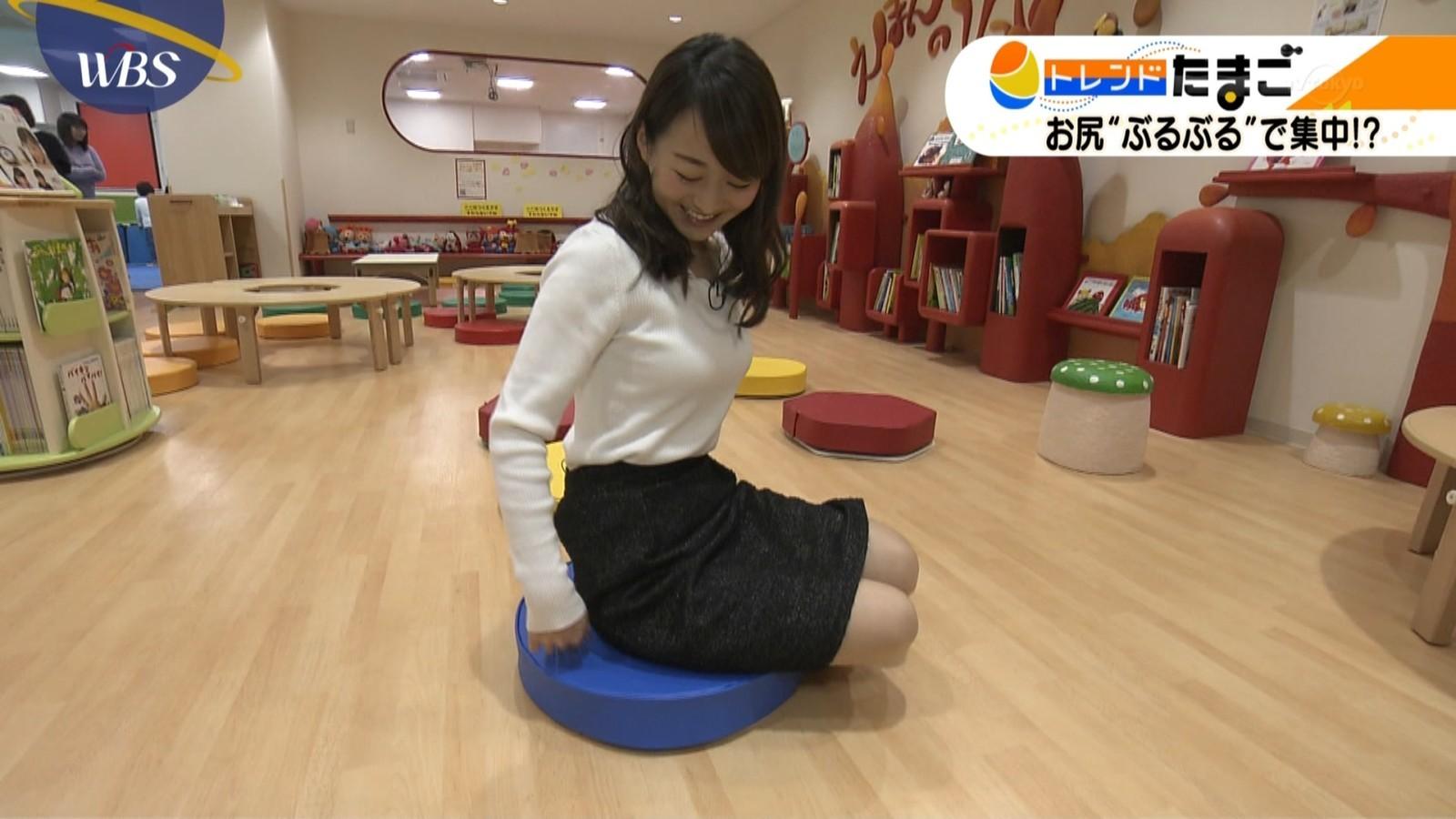 片渕茜アナ ムチムチ着衣おっぱい&ミニスカ脚セクシー画像