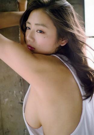 片山萌美の画像004
