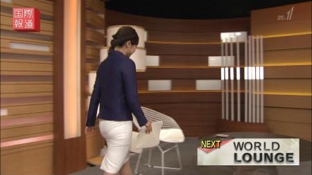 女子アナの透けパン線ムチ尻&美脚▼ゾーンセクシー画像(NHK-BS編)