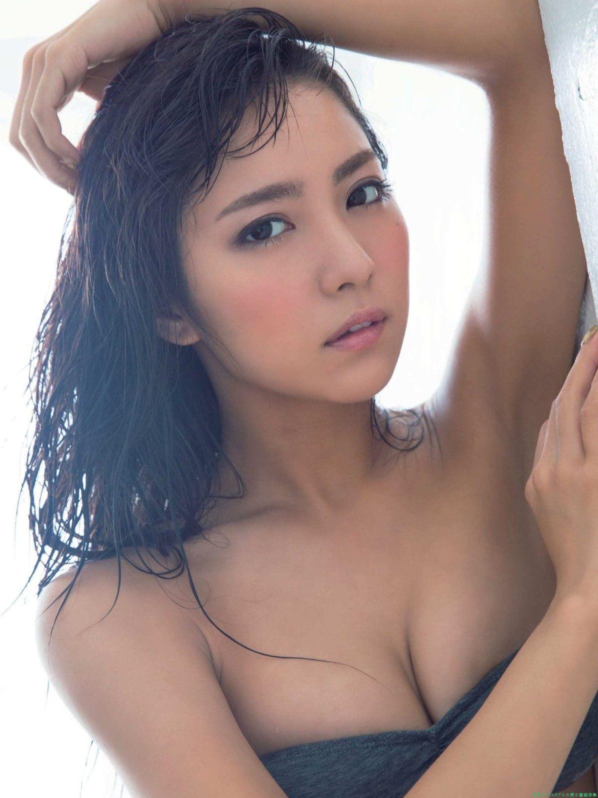 石川恋 魅惑のスレンダー美ボディ水着乳&下着尻セクシー画像