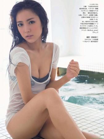 石川恋の画像005