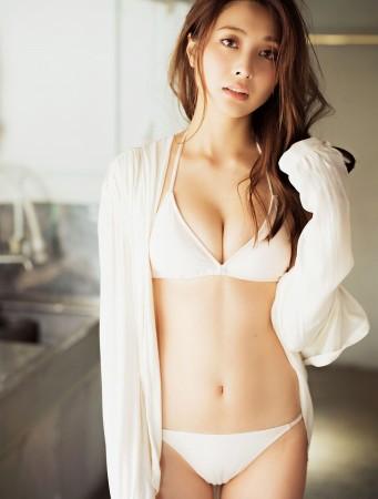 大石絵理 華麗なボディライン水着Dカップ乳セクシー画像