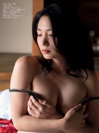 川村ゆきえの画像006