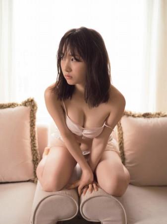 高橋朱里の画像003