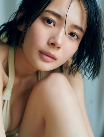 岡田紗佳の画像002