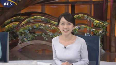 片渕茜アナ うっかり胸チラ片乳無料サービスセクシー画像