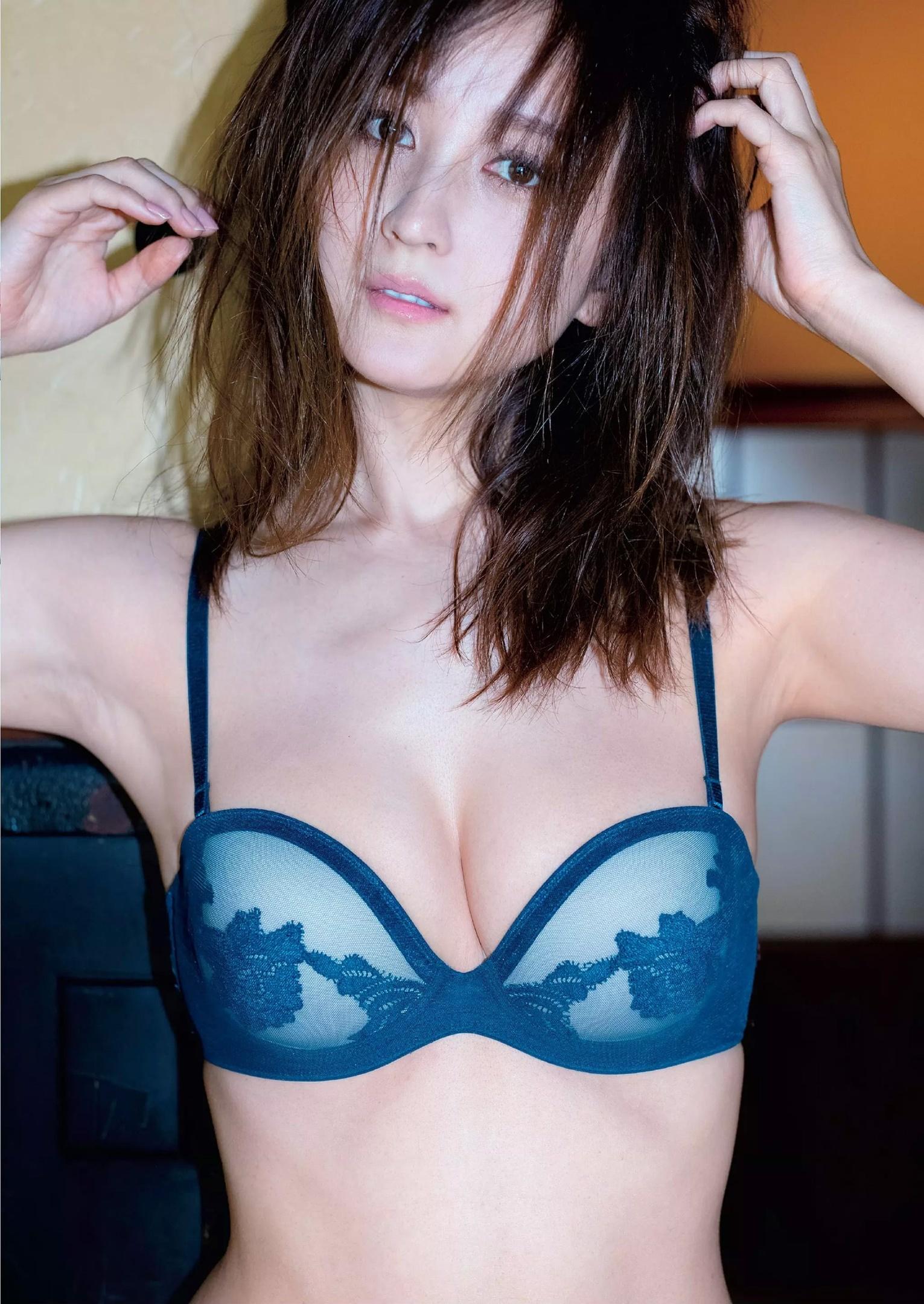 小松彩夏 5年ぶりグラビア復帰