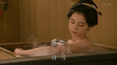 篠田麻里子の画像014
