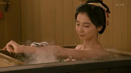 篠田麻里子の画像015
