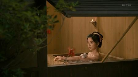 篠田麻里子の画像018