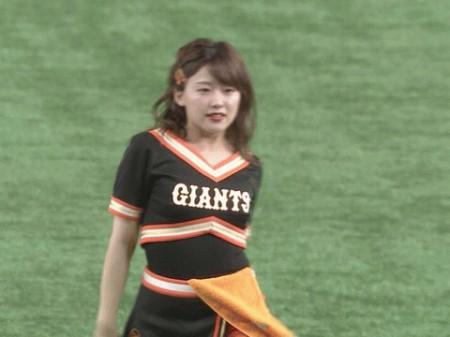 尾崎里紗アナの画像073