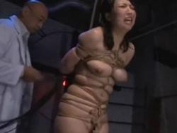 熟女 巨乳 調教 SM 拘束 緊縛 お姉さん 拷問 全裸 スパンキング - 200312-213548