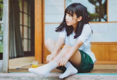 乃木坂・与田祐希の黒いブラジャーから見えた乳首 - 乃木坂