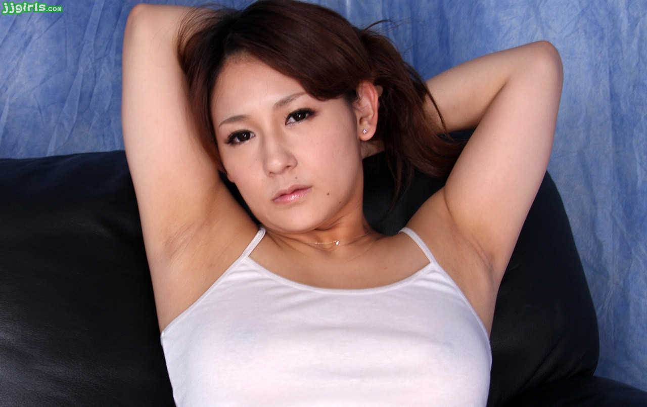 中居ちはるのデカ腋 (4)
