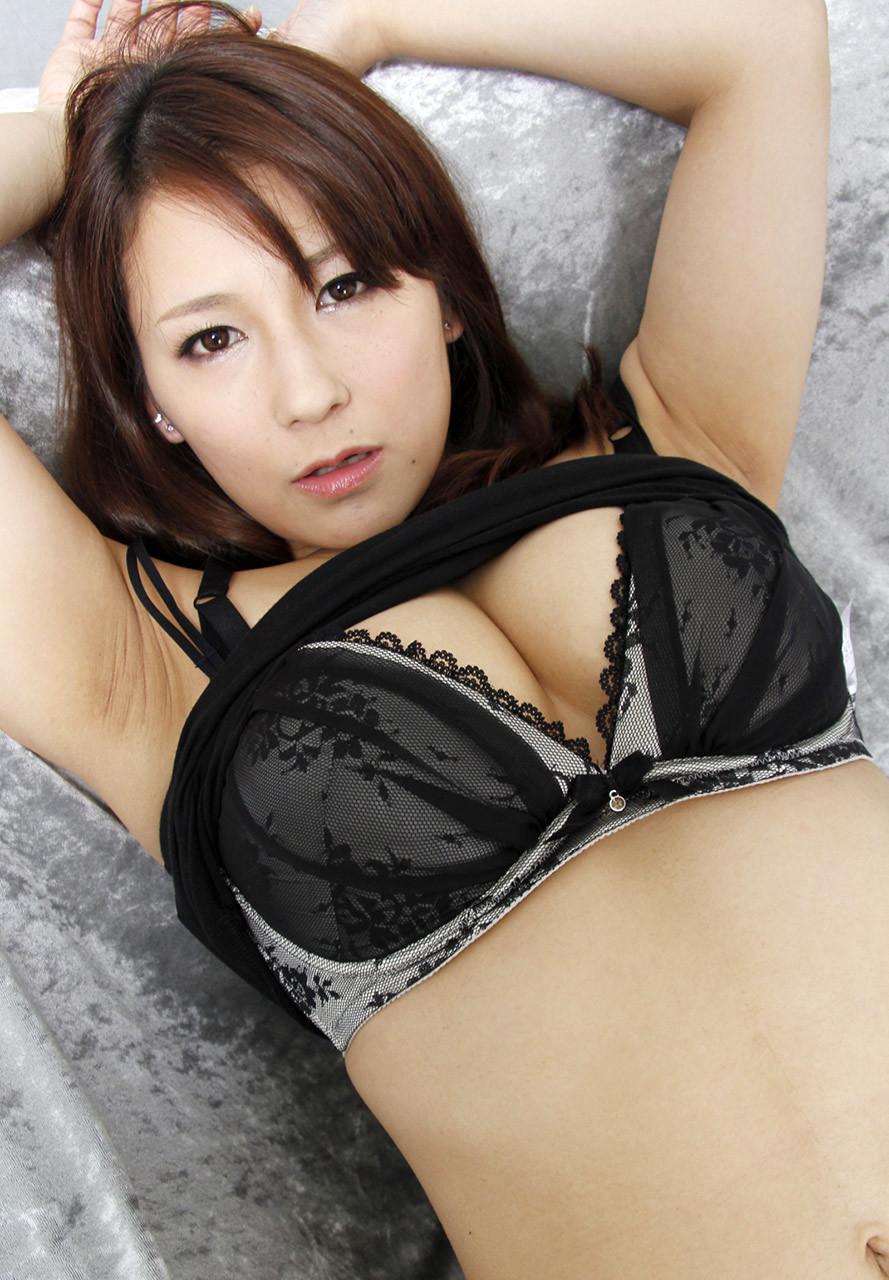 中居ちはるのデカ腋 (5)