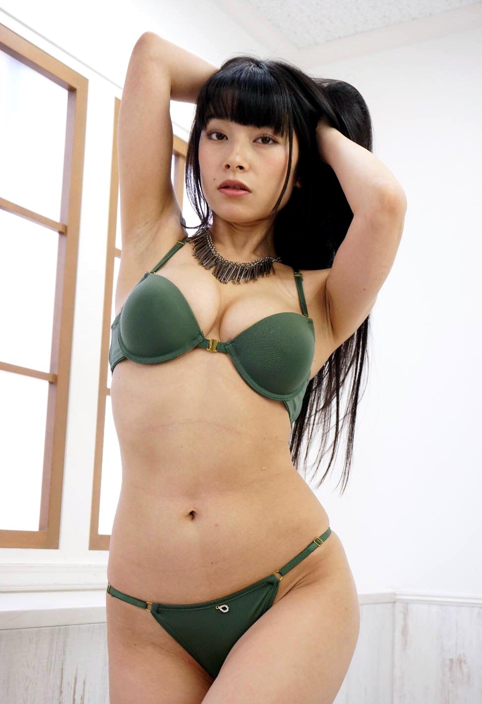 春野恵の黒ずみジョリ腋 (9)