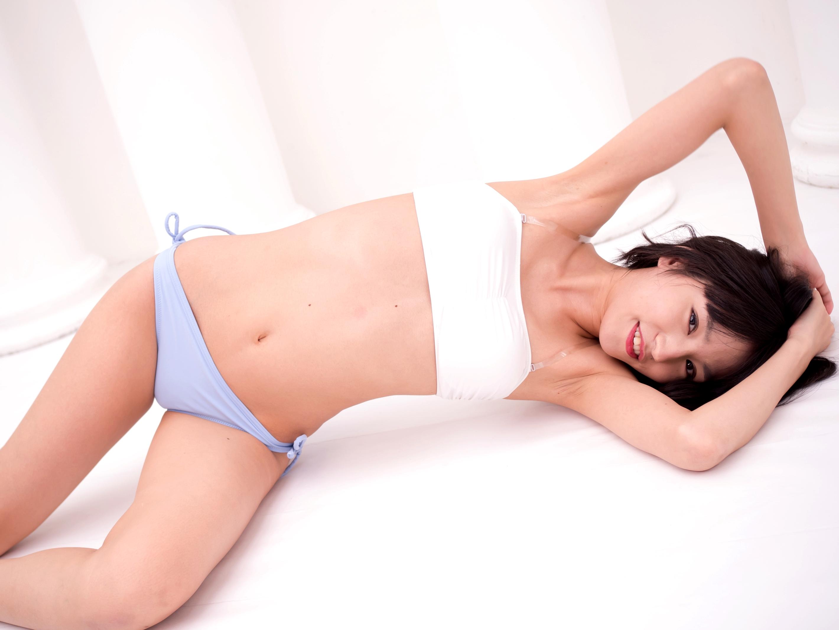 保田真愛のシワ腋 (1)