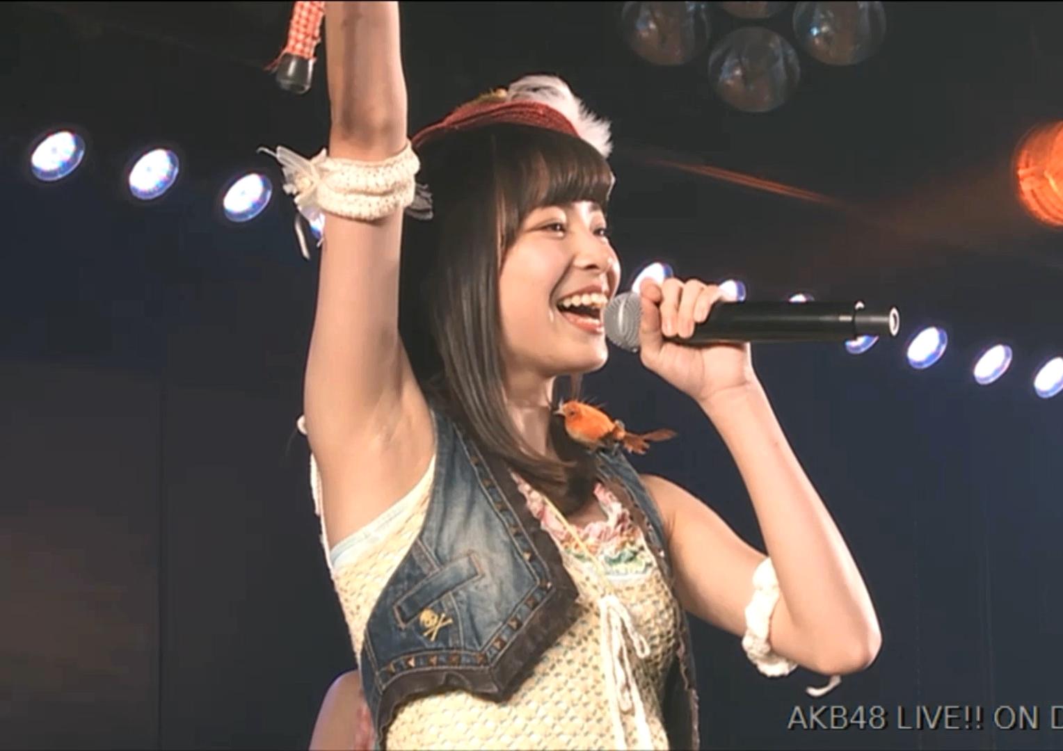 後藤萌咲の腋見せ公演 (1)