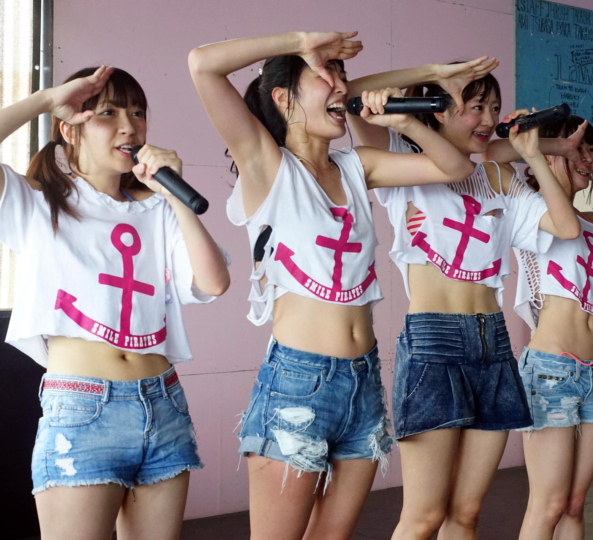 スマイル海賊団・桃花の汗蒸れ腋 (5)