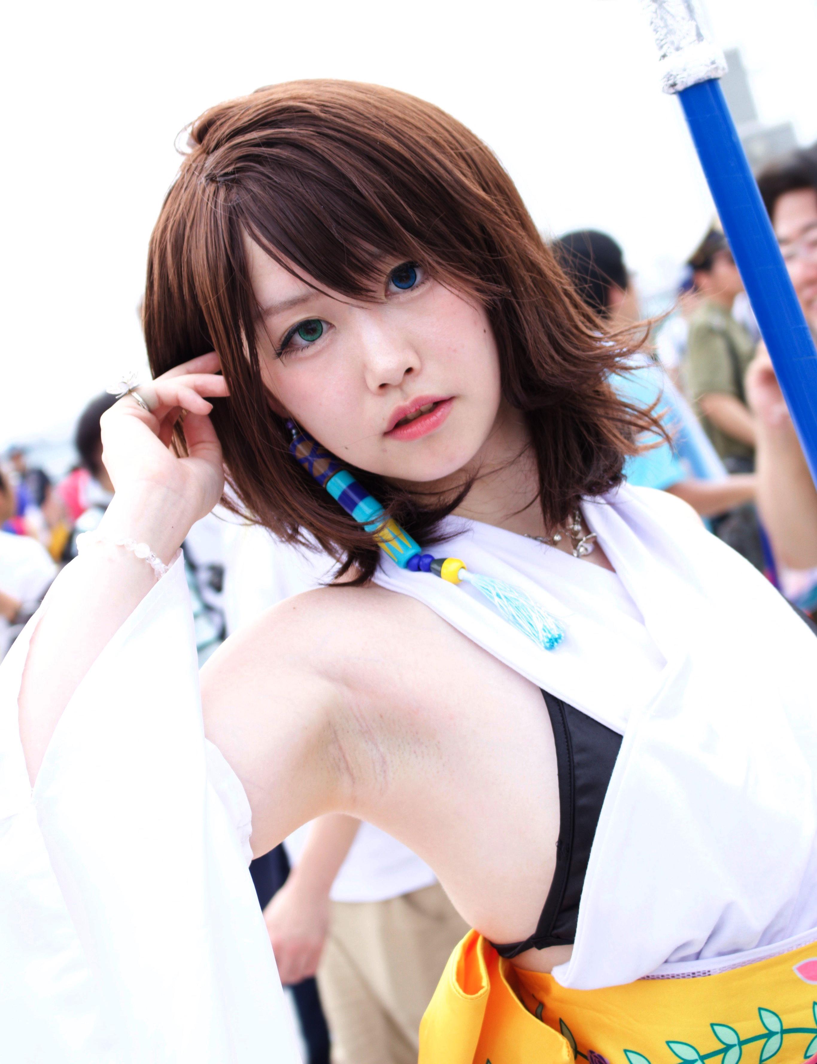 美少女レイヤーの生ジョリ腋 (1)