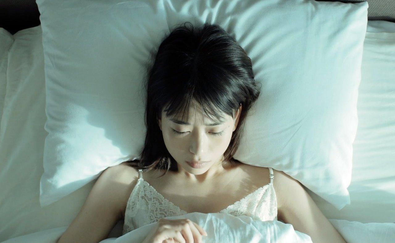 森川葵の寝起き腋 (1)