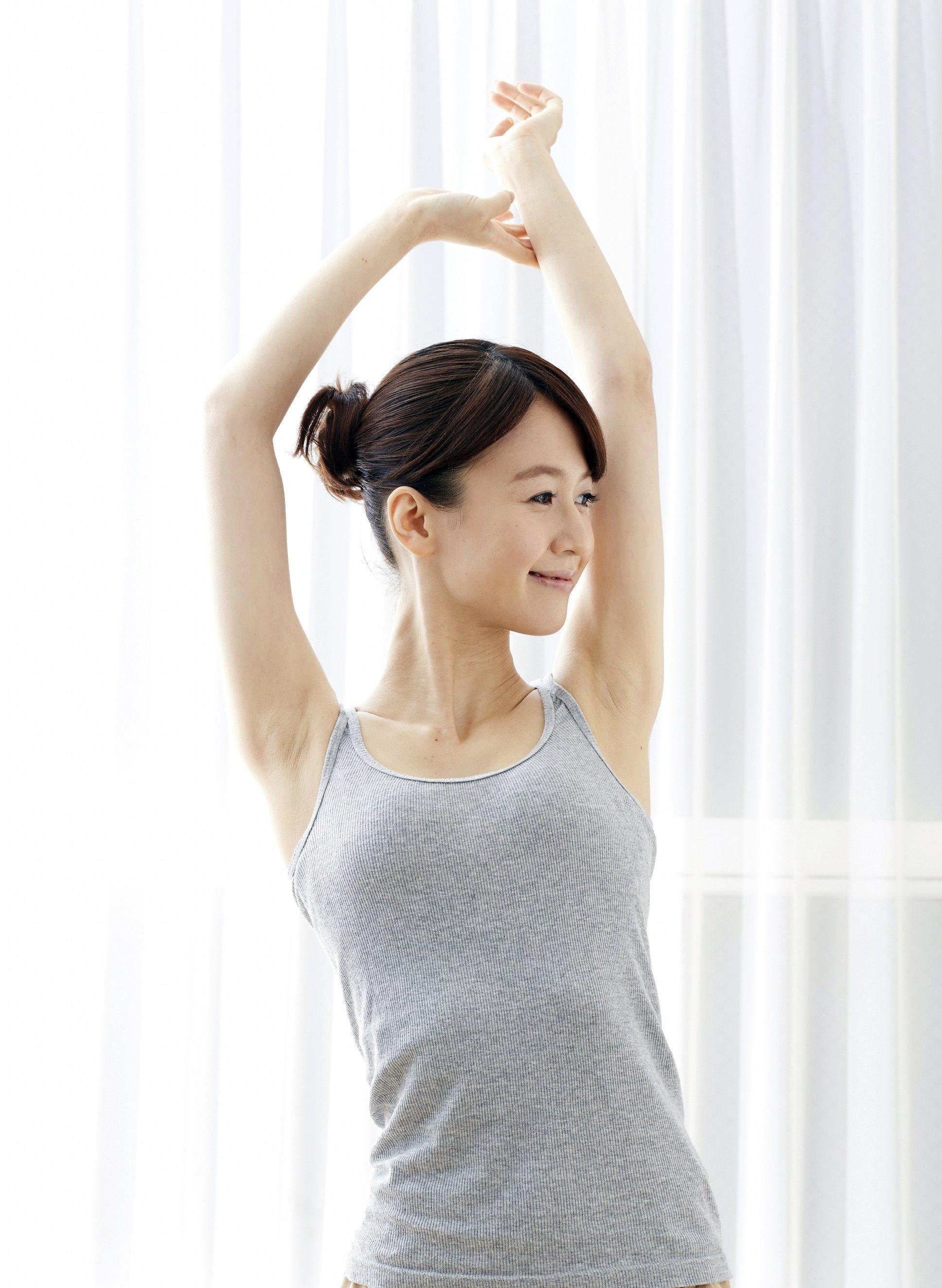 美人腋モデルの腋見せ (3)