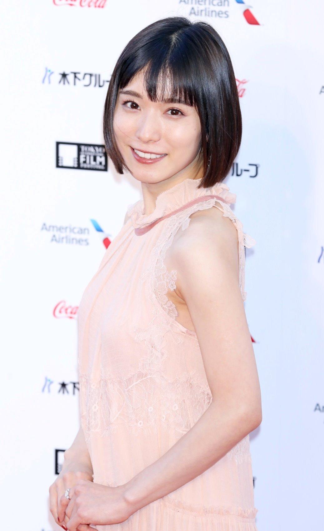 松岡茉優の腋マンコ (2)
