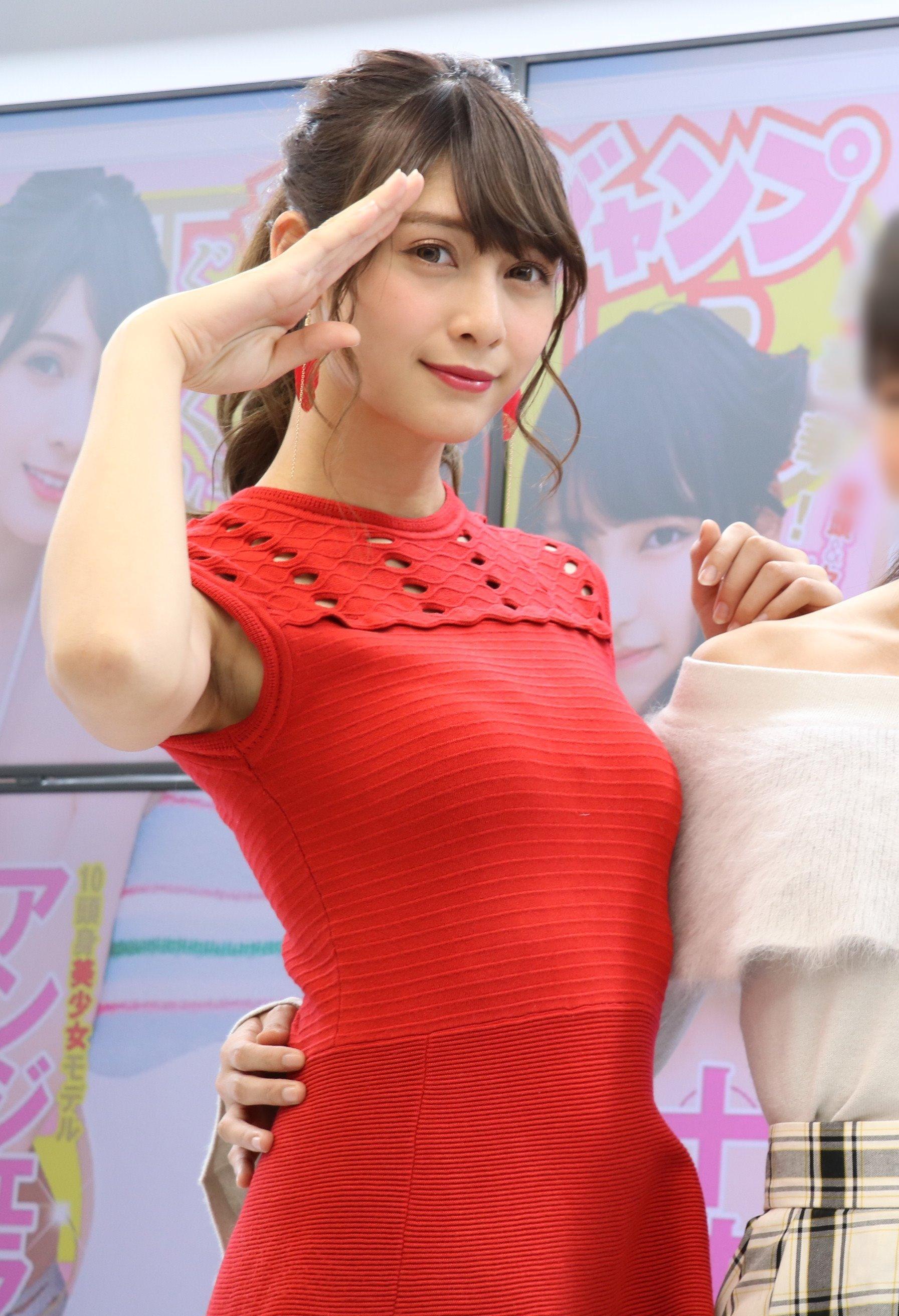 アンジェラ芽衣のシワ腋 (4)