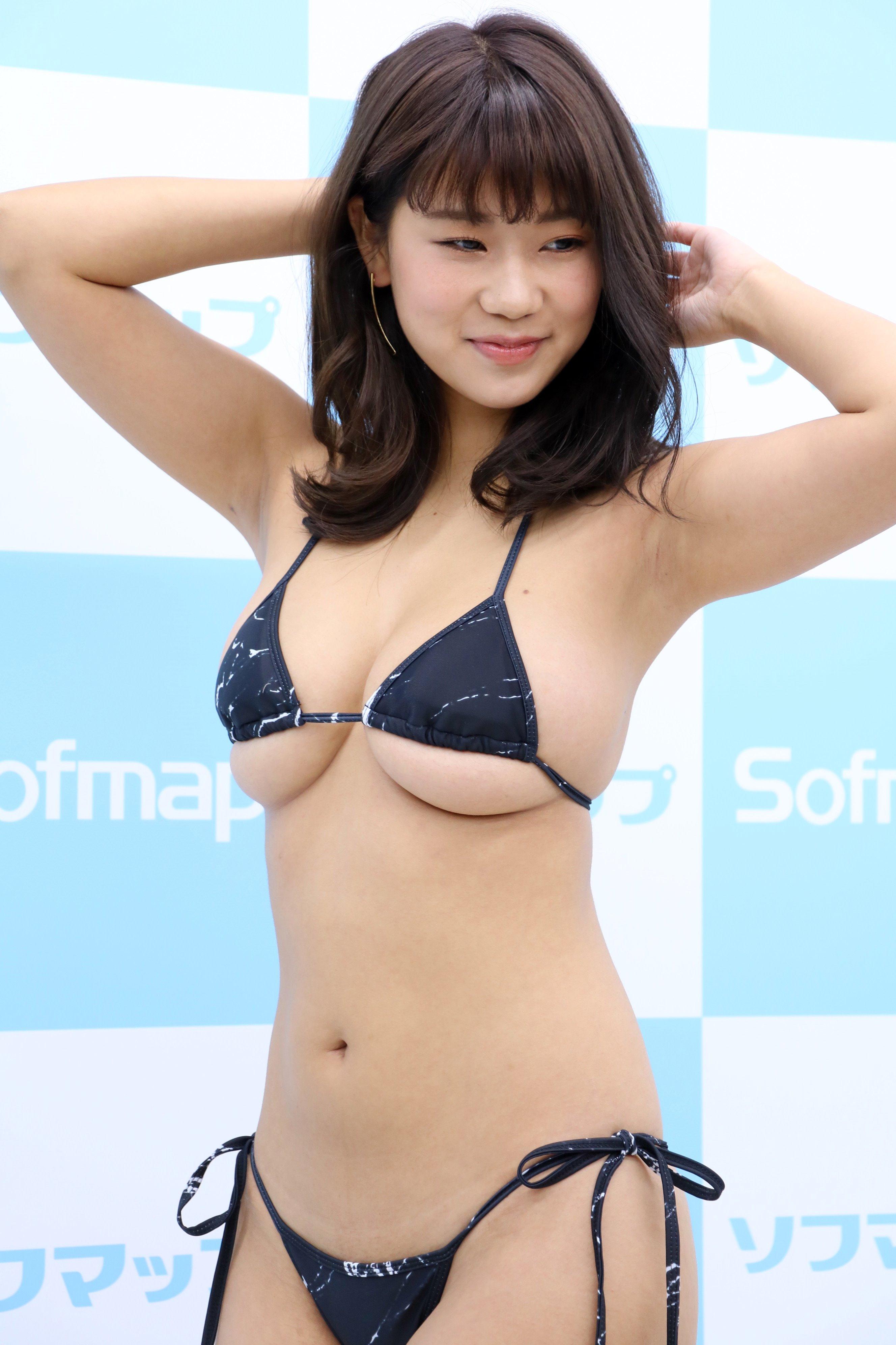 ななせ結衣の腋見せ (2)