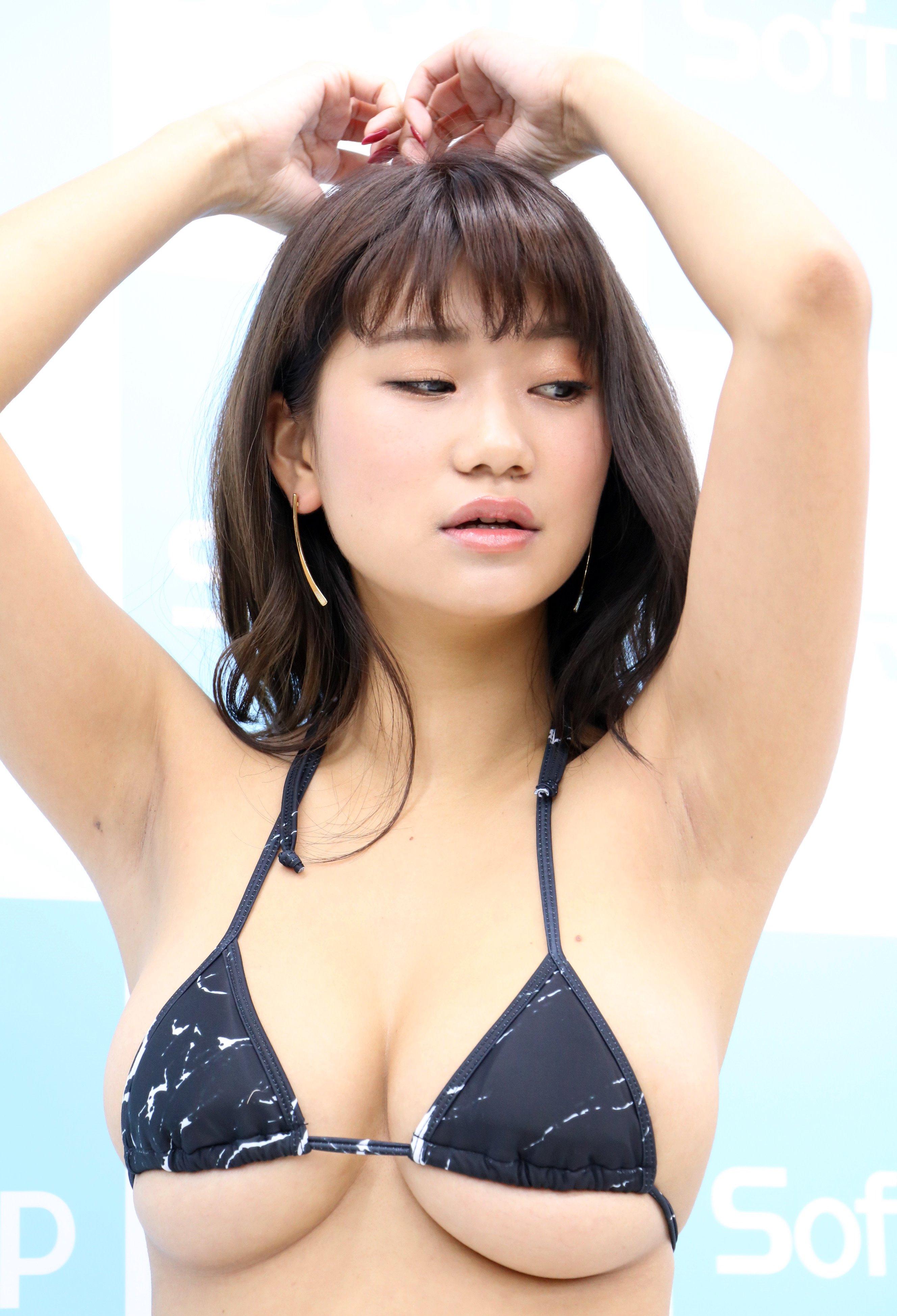 ななせ結衣の腋見せ (5)