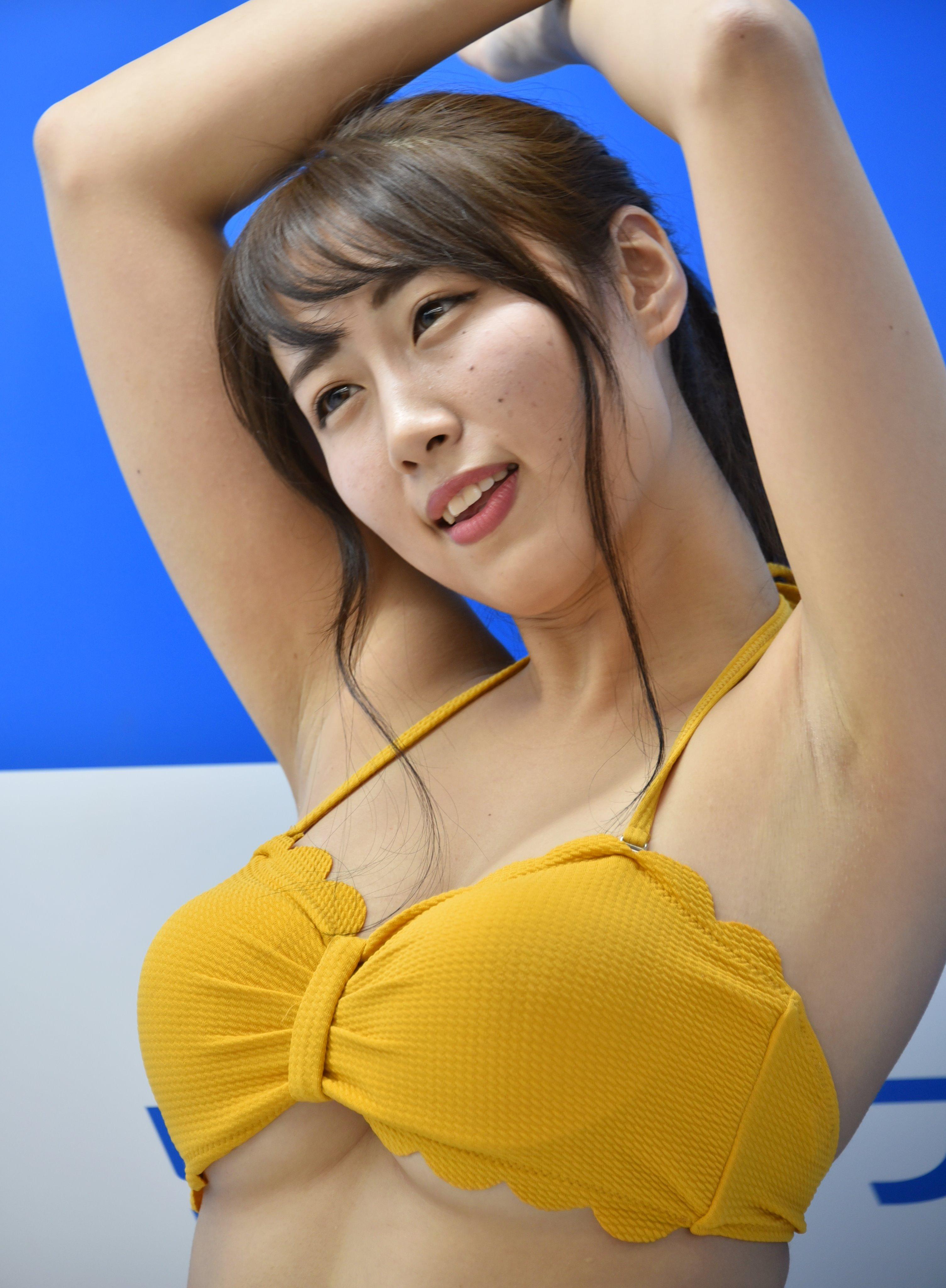 藤堂さやかのしっとり腋 (8)