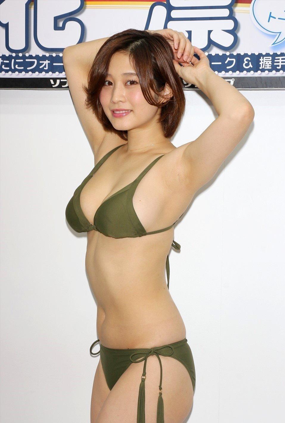 橘花凛のデカ腋 (2)