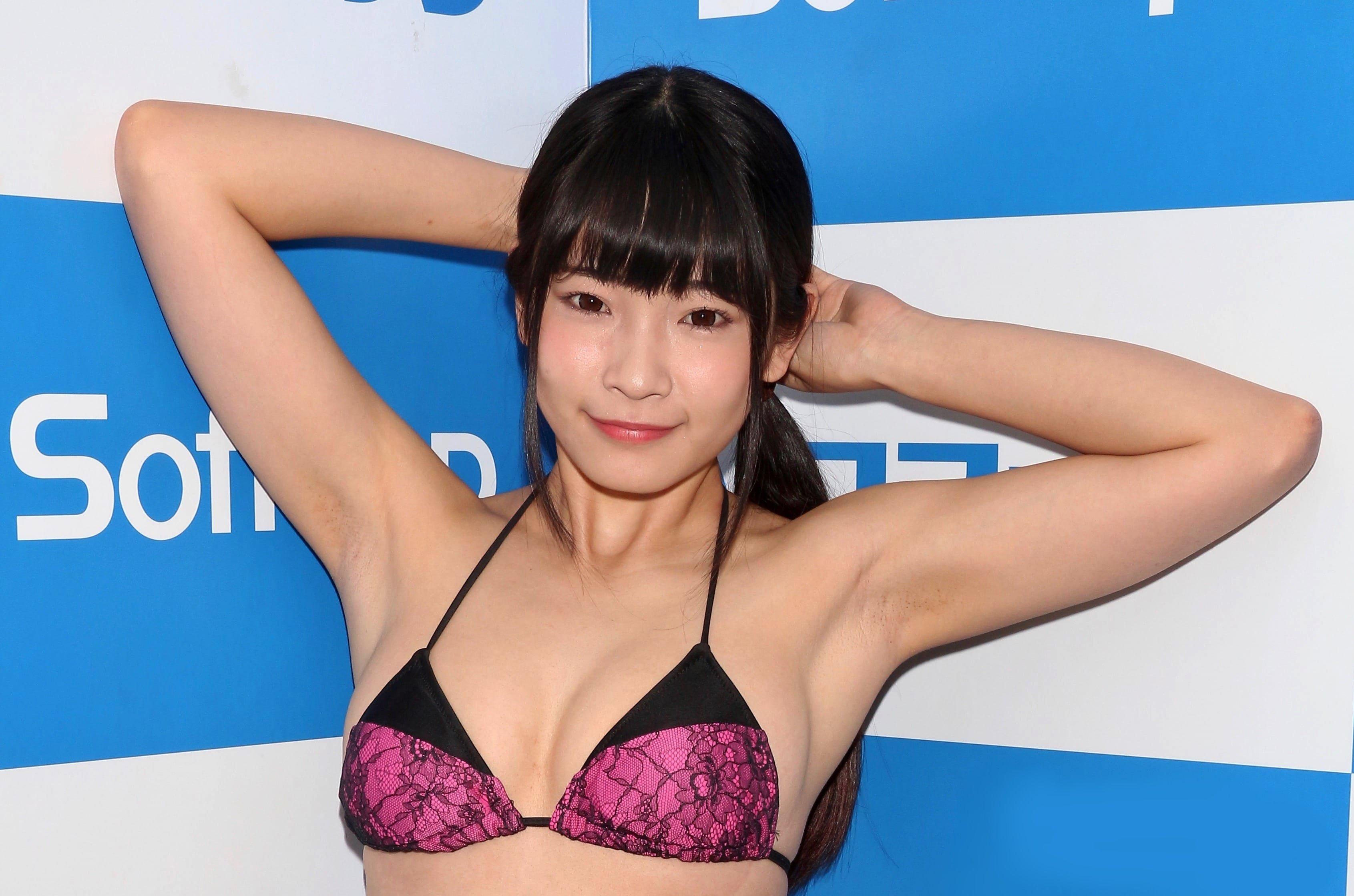 朝倉恵梨奈の黒ゴマ腋 (5)