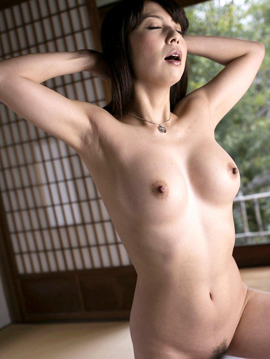 一条綺美香の美熟腋 (5)