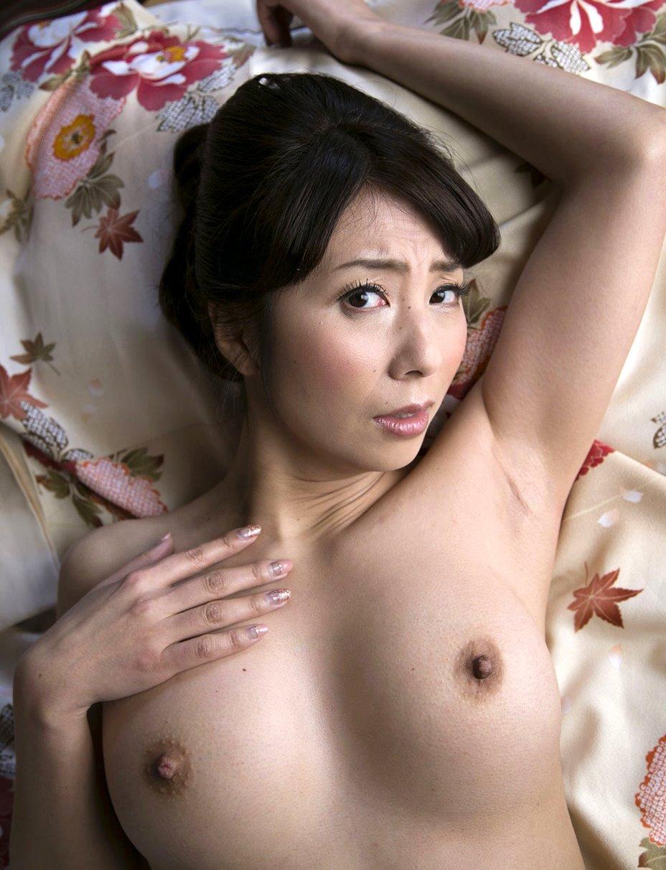 一条綺美香の美熟腋 (8)