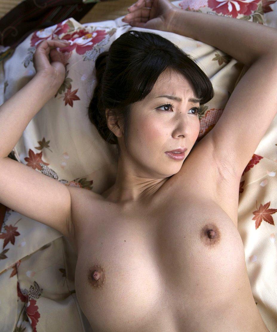 一条綺美香の美熟腋 (9)