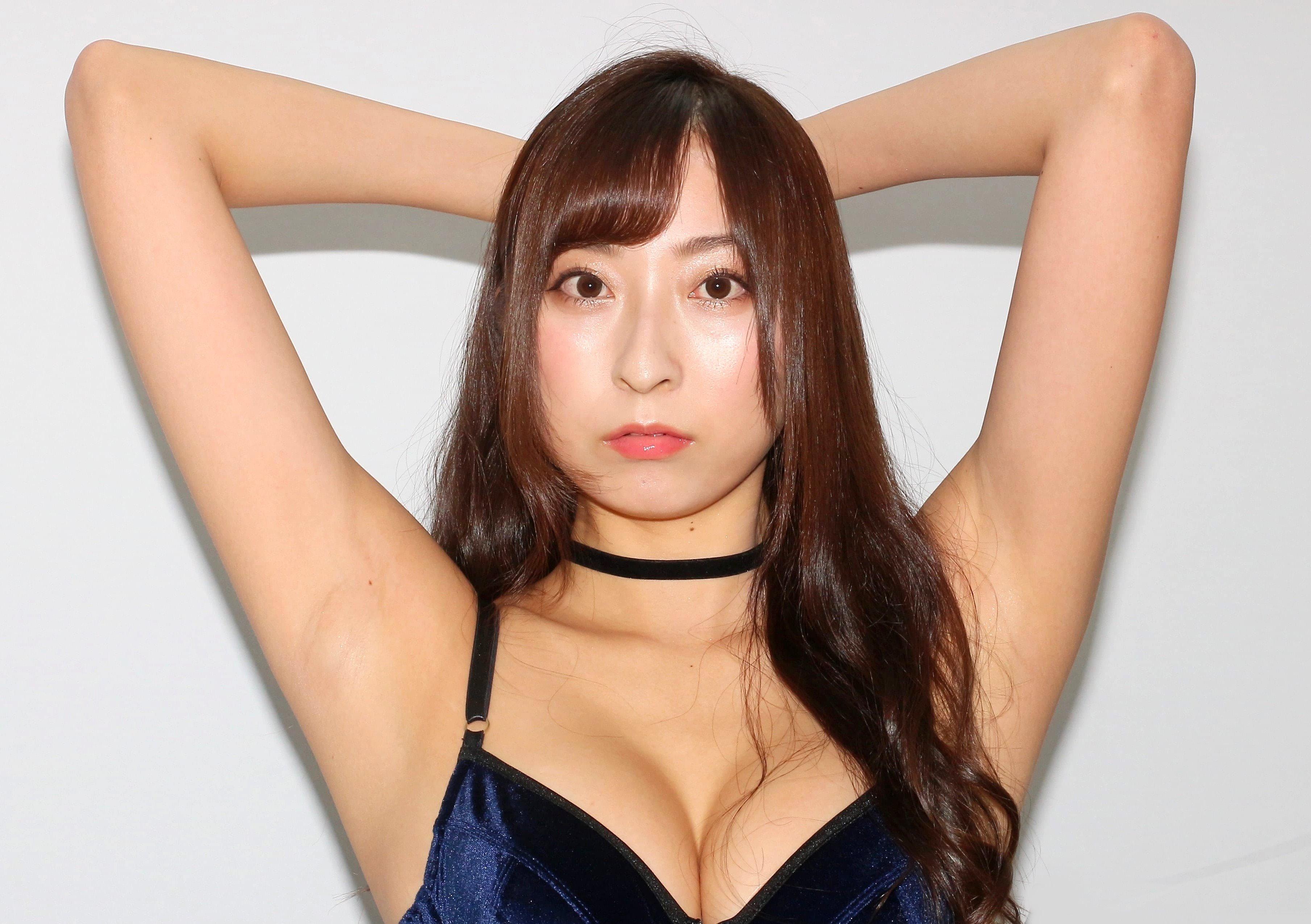緒方咲のツルスベ美腋 (9)
