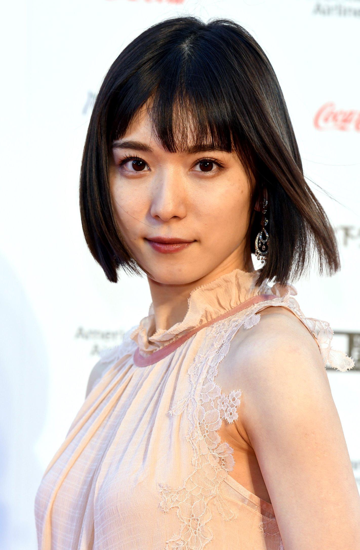 松岡茉優の高画質腋毛 (1)