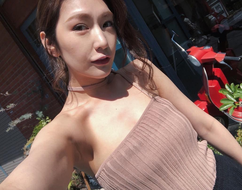 上福ゆきのセクシー腋 (10)