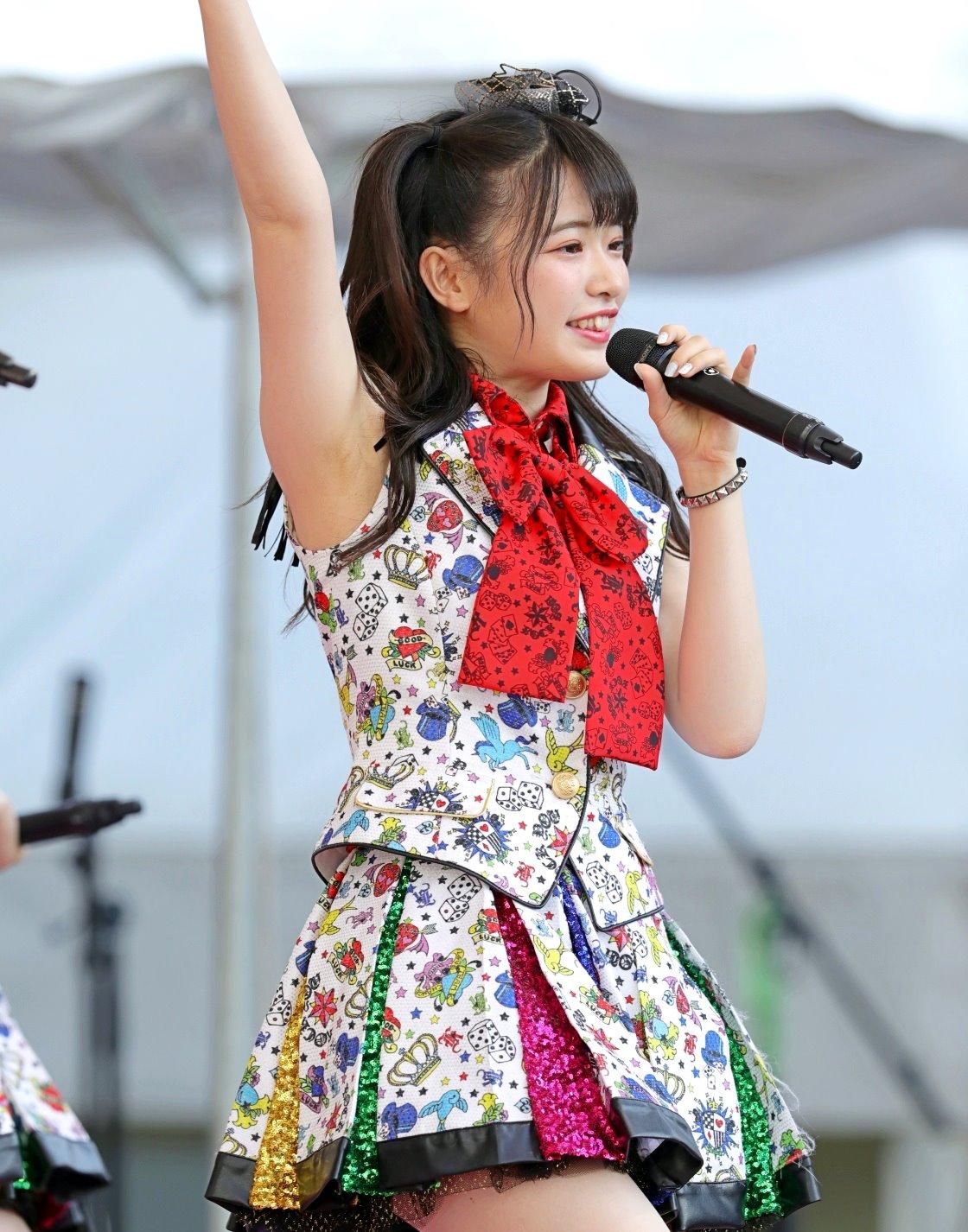 AKB48フレッシュ選抜メンバーの腋見せライブ (2)