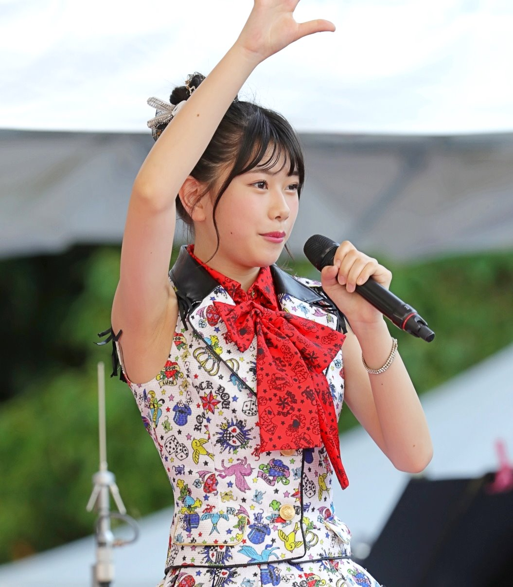 AKB48フレッシュ選抜メンバーの腋見せライブ (8)