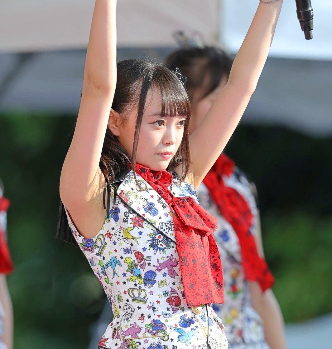 AKB48フレッシュ選抜メンバーの腋見せライブ (12)