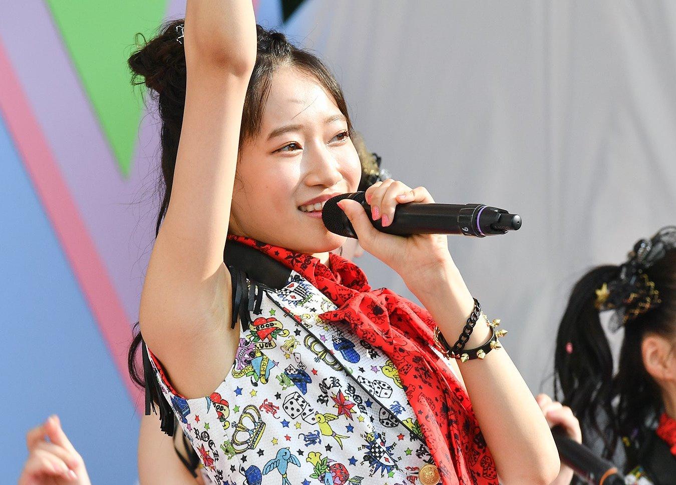 AKB48フレッシュ選抜メンバーの腋見せライブ (16)