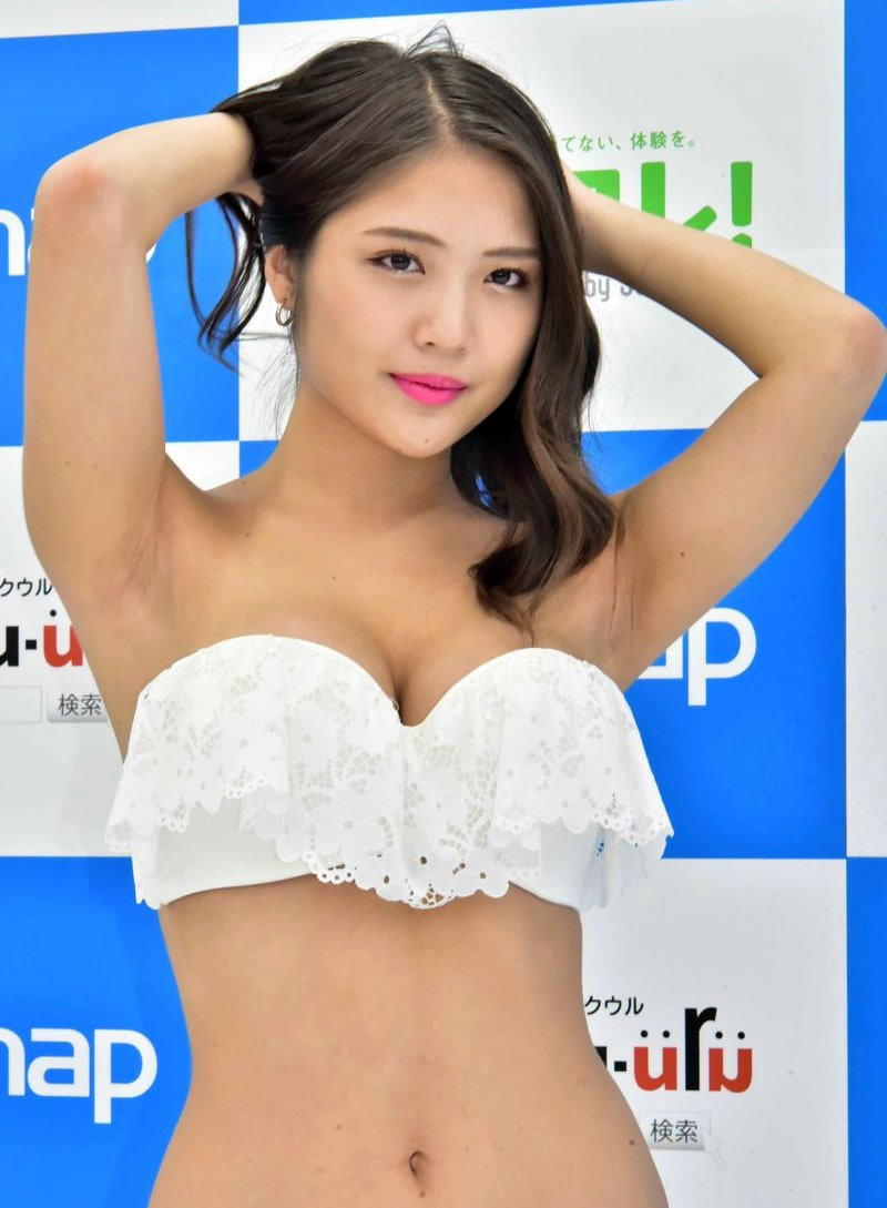 水咲優美のちょいジョリ腋 (1)