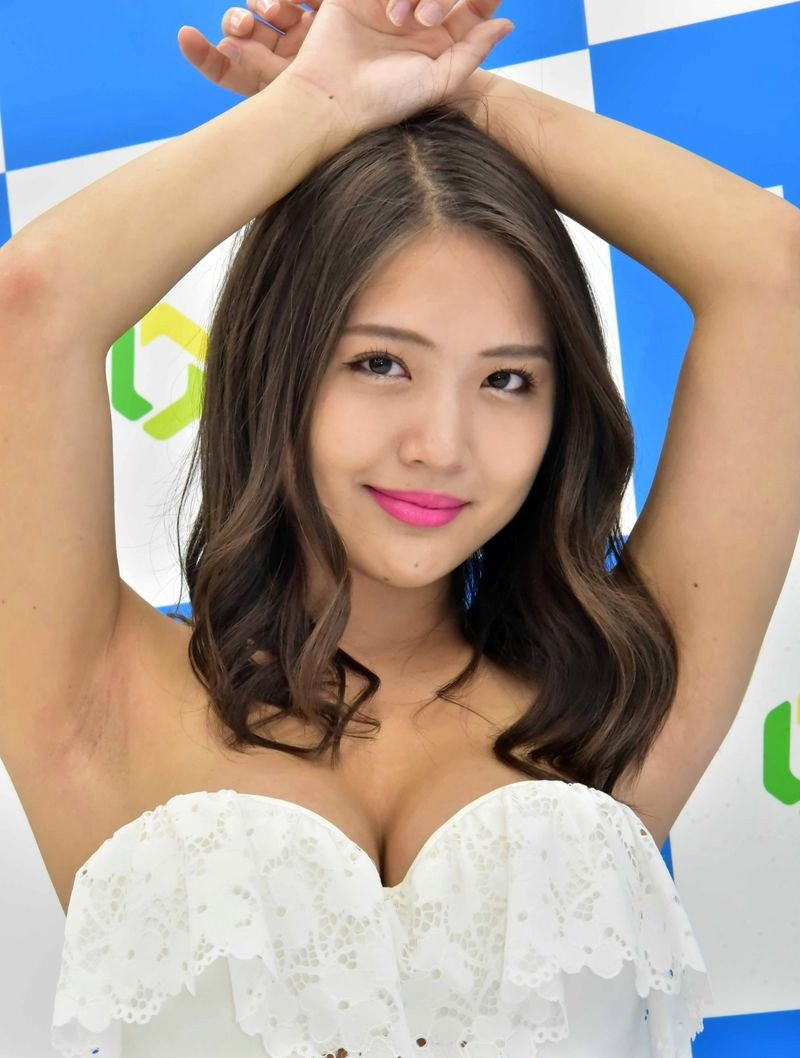 水咲優美のちょいジョリ腋 (5)