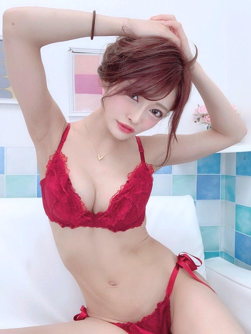 七瀬ひなのボツ腋 (1)